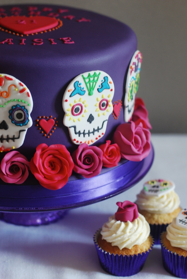 Day_of_the_dead_cake_afternoon_crumbs_7