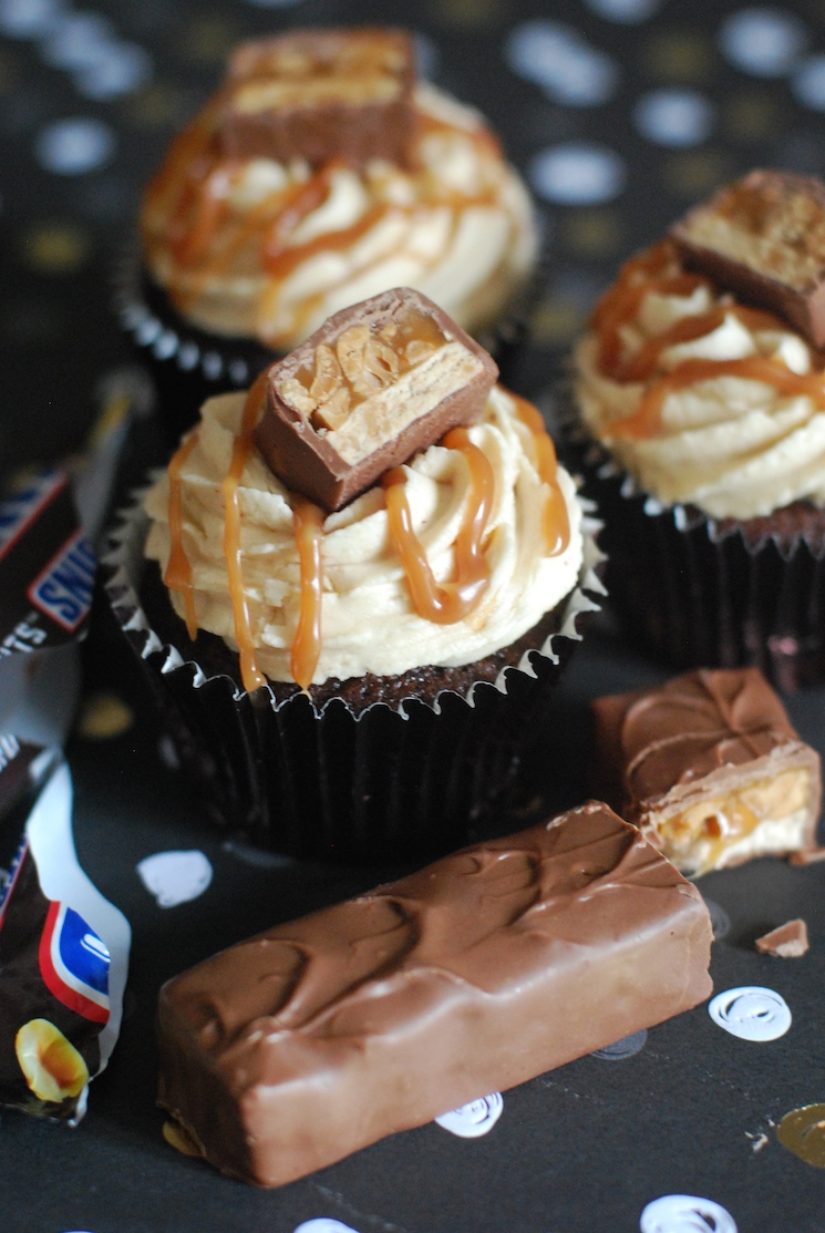 Snickers_Cupcake_Afternoon_Crumbs_01