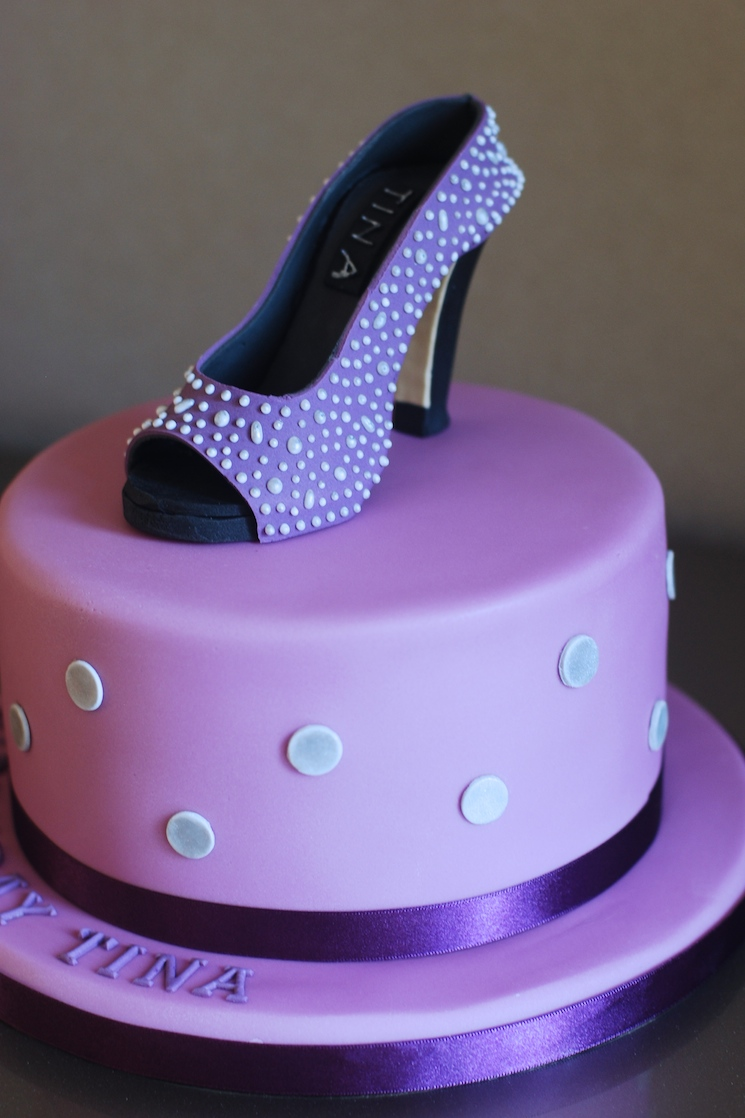 shoe_cake_afternoon_crumbs_06