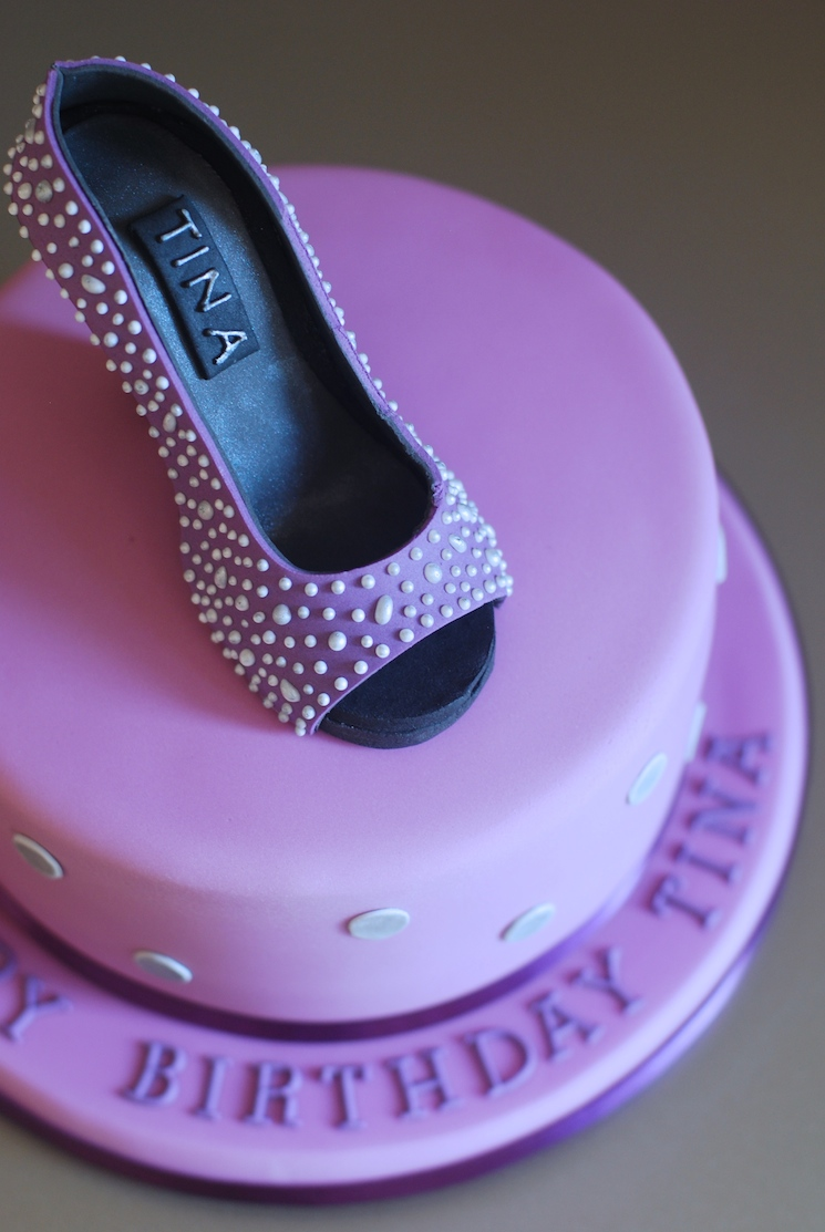 shoe_cake_afternoon_crumbs_08