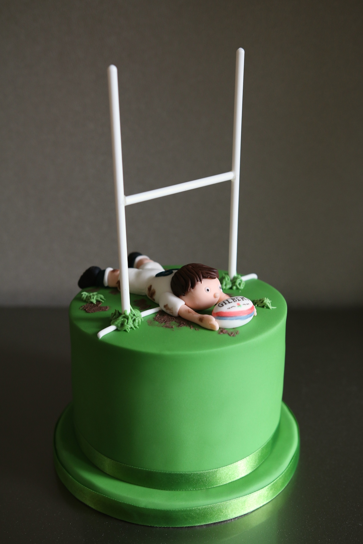 Rugby_Cake_01